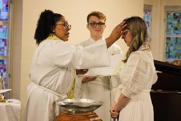 Baptism_Chrismonforehead