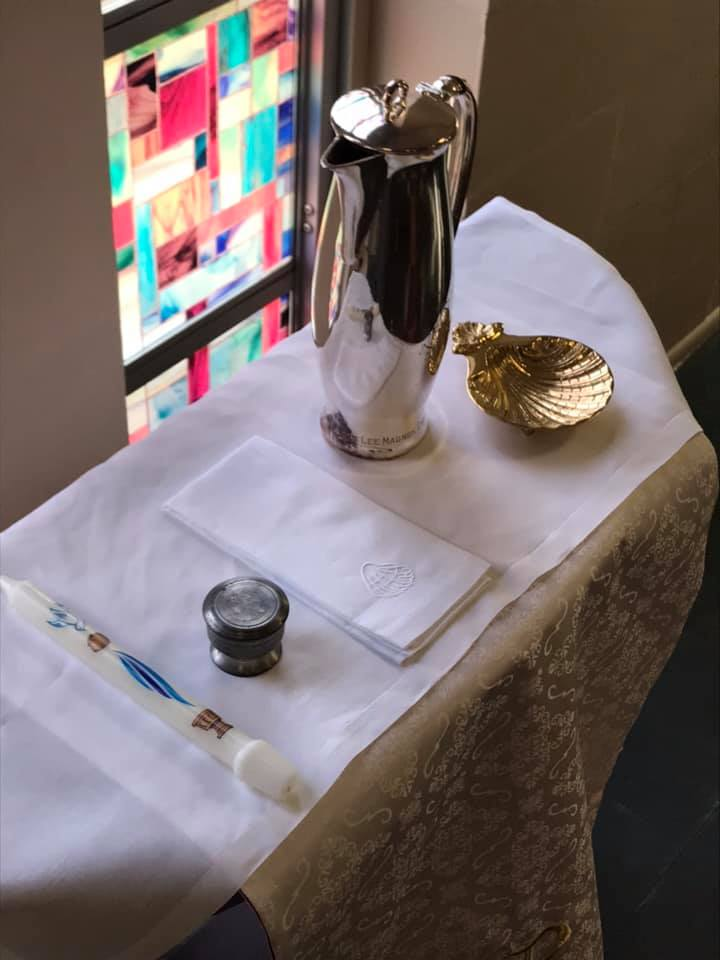 Baptism_Table with shellcandlechrism
